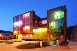Πολύχρωμες προσόψεις κτηρίων στον κόσμο! - Φωτογραφία 1