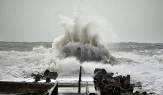 11 νεκροί στην Ευρώπη από την καταιγίδα Dirk - Φωτογραφία 1