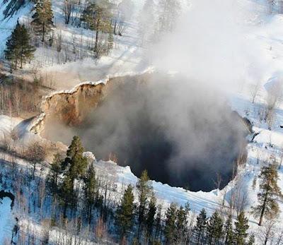 Μια τεράστια τρύπα άνοιξε στη Σουηδία - Φωτογραφία 2