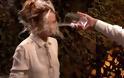 Ξεπέρασαν τα όρια: Μπουγέλωσαν πασίγνωστη ηθοποιό σε εκπομπή! [video]