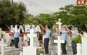Ανδραβίδα: Χιλιάδες πολίτες αποχαιρέτισαν τον ήρωα αστυνομικό Βασίλη Μαρτζάκλη - Φωτογραφία 13