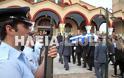 Ανδραβίδα: Χιλιάδες πολίτες αποχαιρέτισαν τον ήρωα αστυνομικό Βασίλη Μαρτζάκλη - Φωτογραφία 6