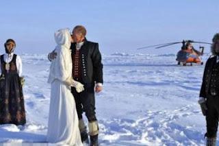 Ενώθηκαν με τα δεσμά του γάμου στο Βόρειο Πόλο! - Φωτογραφία 1