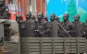 Στρατιώτες βγαλμένοι μέσα από ταινία τρόμου - Φορούν στολές που προκαλούν τρόμο [video + photos]