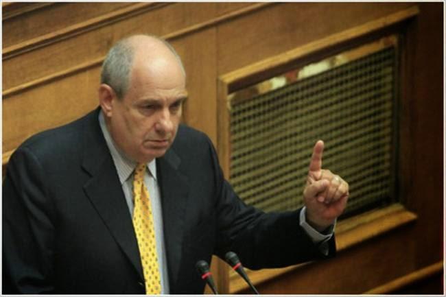 Τέρενς Κουίκ: Το ότι δεν θα «ψηφίσουμε νέα μέτρα» είναι μία λέξη «απάτη» - Φωτογραφία 1