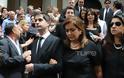 Ντ. Μπακογιάννη: Συντετριμμένη στην κηδεία της μητέρας της - Φωτογραφία 5
