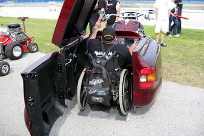 Φανταστική μηχανή για άτομα που δεν μπορούν να περπατήσουν! - Φωτογραφία 2