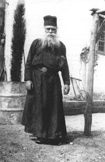 6796 - Ιερομόναχος Νικόδημος Κουτλουμουσιανοσκητιώτης (1926 – 17 Ιουλίου 1986) - Φωτογραφία 1