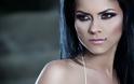 AΠΙΣΤΕΥΤΟ - Διάσημη τραγουδίστρια αφήνει το μικρόφωνο για να παίξει σε ροζ ταινία του... Σειρινάκη [photos+video] - Φωτογραφία 3