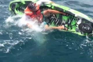 Ψαράς έδωσε «μάχη» με τερατώδες ψάρι - Το βίντεο κόβει την ανάσα - Φωτογραφία 1