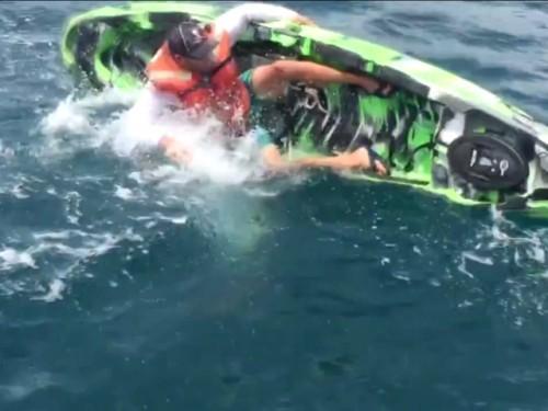 Ψαράς έδωσε «μάχη» με τερατώδες ψάρι - Το βίντεο κόβει την ανάσα - Φωτογραφία 2