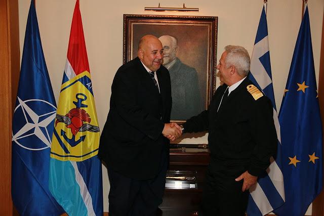 Συνάντηση Αρχηγού ΓΕΕΘΑ με τον Πρέσβυ της Αιγύπτου - Φωτογραφία 2