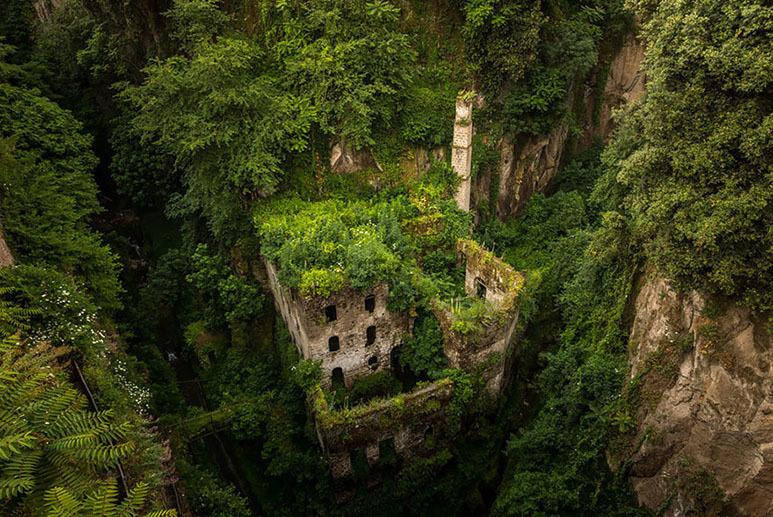 Εκεί που η φύση νίκησε τον πολιτισμό... Ανατριχιαστικές φωτογραφίες [photos] - Φωτογραφία 7