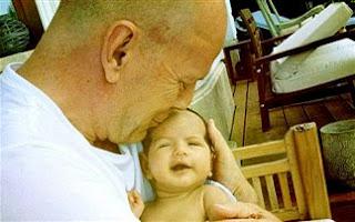 Μπαμπάς για τέταρτη φορά ο Bruce Willis - Φωτογραφία 1