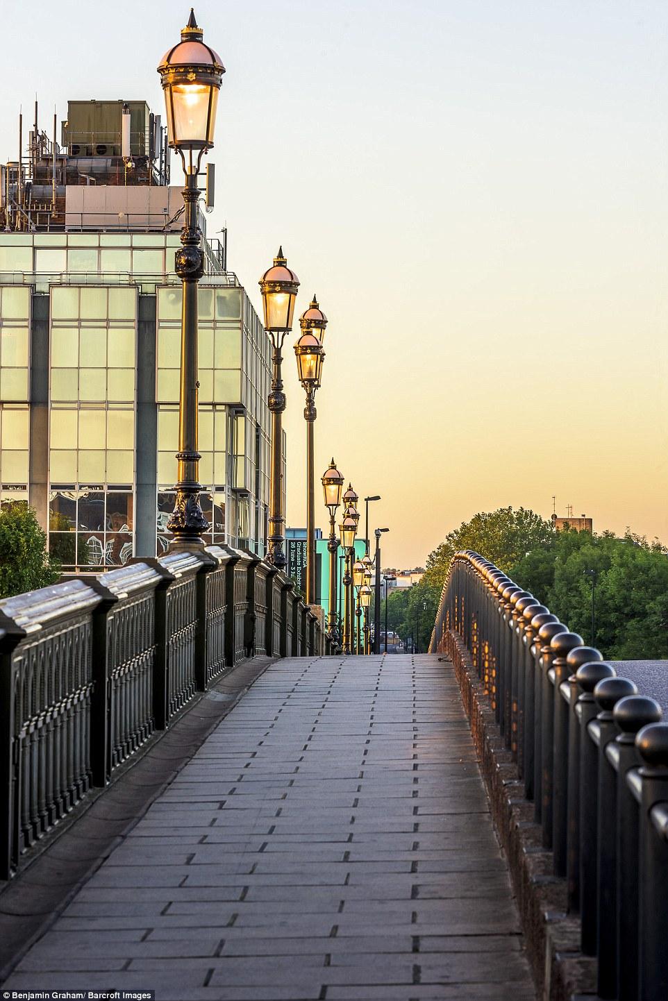 Εκπληκτικές εικόνες από το άδειο Λονδίνο την αυγή! - Φωτογραφία 10
