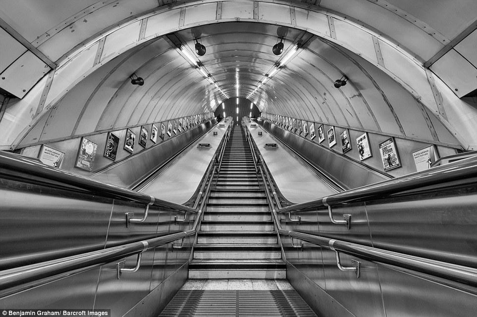 Εκπληκτικές εικόνες από το άδειο Λονδίνο την αυγή! - Φωτογραφία 3