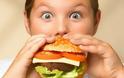 Δεν θα πιστεύετε πόσο γερνούν τον εγκέφαλο τα περιττά κιλά
