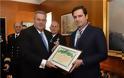 Απονομή Διαμνημόνευσης Αστέρα Αξίας και Τιμής από τον ΥΕΘΑ Πάνο Καμμένο στον Μιχαήλ Στασινόπουλο