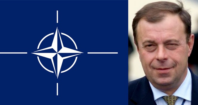 Νεκρός ο Eπικεφαλής των Eλεγκτών του ΝΑΤΟ που ερευνούσε τη χρηματοδότηση του ISIS από την Κλίντον! - Φωτογραφία 1