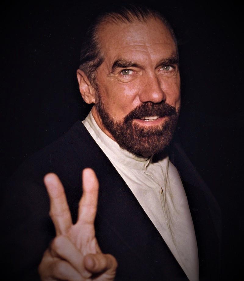Απίστευτο κι όμως αληθινό: αυτός είναι ο πιο πλούσιος Έλληνας του κόσμου! Δε φαντάζεστε με τι ασχολείται... [photos] - Φωτογραφία 4