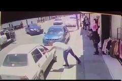 Εκτελεστές υποδύθηκαν το ζευγάρι και «γαζώνουν»  - Το βίντεο σοκάρει