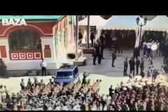 Στρατιώτης προκάλεσε αναστάτωση σε παρέλαση παρουσία του Πούτιν