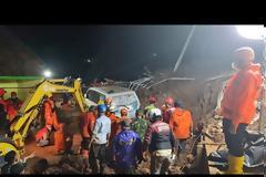 Ινδονησία: Τουλάχιστον 11 νεκροί και 18 τραυματίες από κατολισθήσεις στη Δυτική Ιάβα