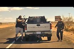 Σοκαριστικό!  Η στιγμή της δολοφονίας αστυνομικού (Video)