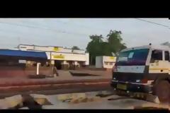 Το πρώτο τρένο με βοήθεια κατέφθασε στο Νέο Δελχί.